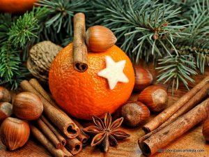 Sauna in der Weihnachtszeit mit Orange-Zimt